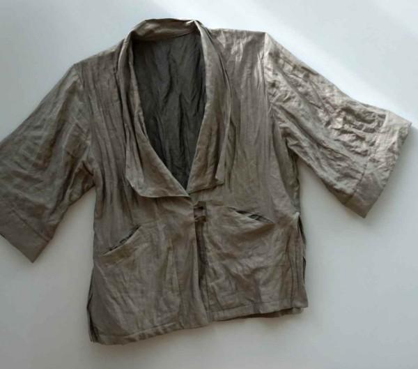Kimonojacke aus gecrashtem Stoff mit Metallfaden
