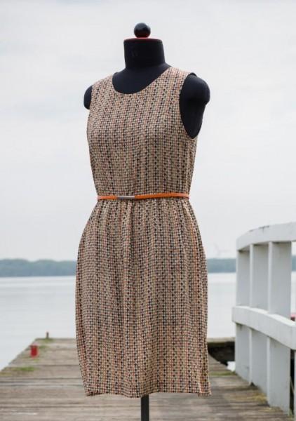 Einfaches gemustertes Schlupfkleid ohne Ärmel mit oragem Gürtel