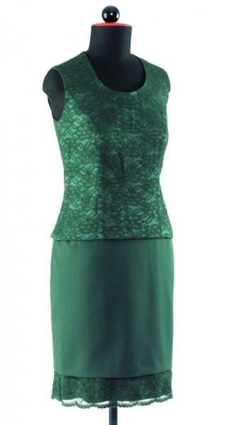 grünes, kurzes Top aus Spitze mit Wiener Nähten passend zu einem grünen, schmalen Rock mit Spitzensaum