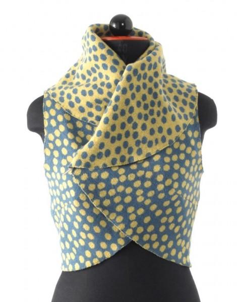 gelb-türkis farbene, kurze Weste mit großem Umschlagkragen, Vorderansicht
