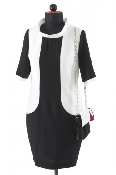 Schwarz-weißes Kleid mit Teilungsnähten