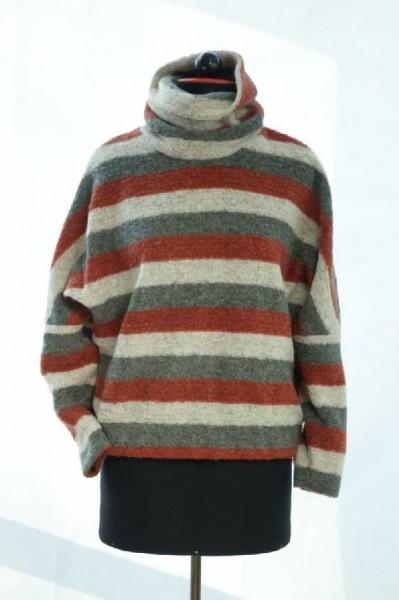 Pullover aus gestreiftem Wollstoff mit Rollkragen